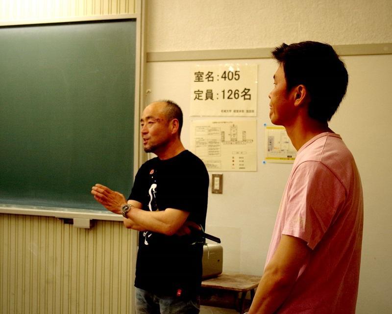 質問に答える大嶋氏と野村氏