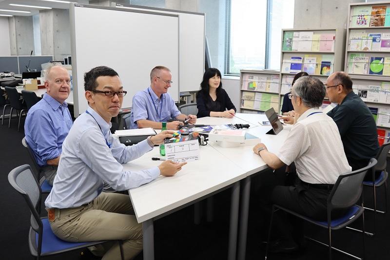 海外体験共有チーム 会議の様子