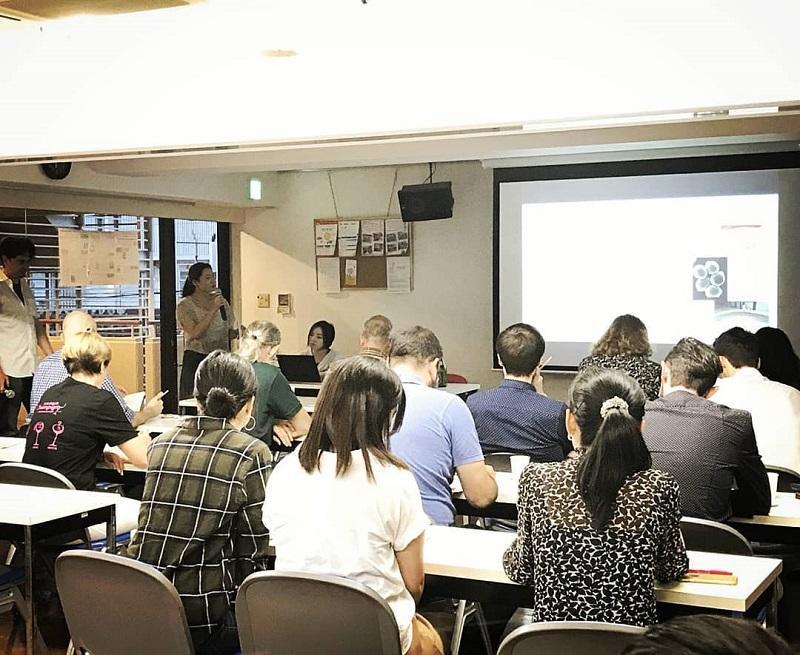 國酒プロジェクトのメンバー、松本さん(農学部2年)から企画のプレゼンテーション