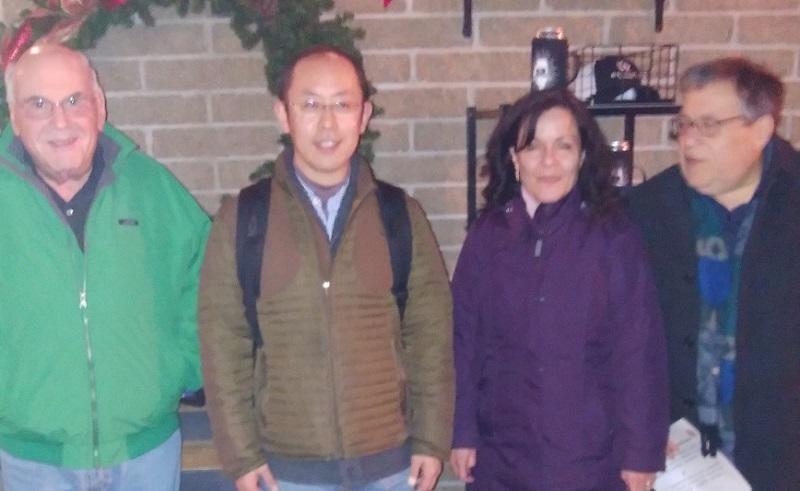 (左から)バーグマン教授, 仙場准教授, バカキス教授の妻(土木・環境工学専攻講師), バカキス教授