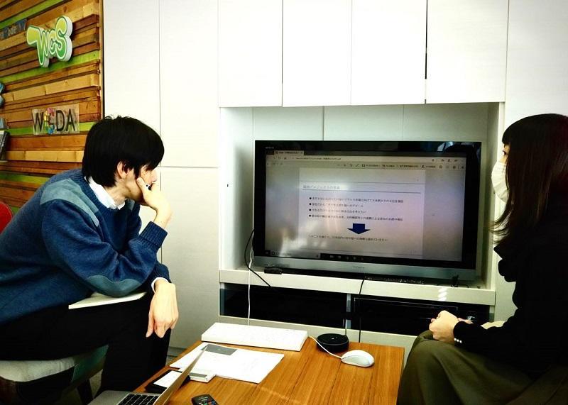 企画の説明をするプロジェクトリーダーの阪野さん(農学部3年)