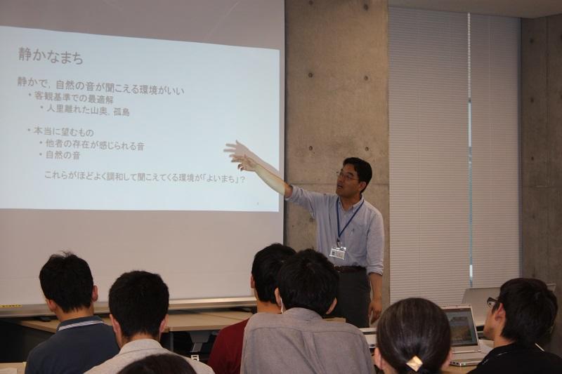 西野先生:専門は音声・音響信号処理