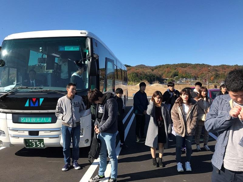 貸し切りバスで長野県飯田市市民太陽光発電を調査