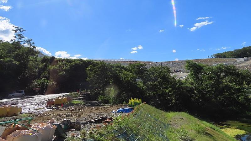 写真4:建設中のメガソーラー施設