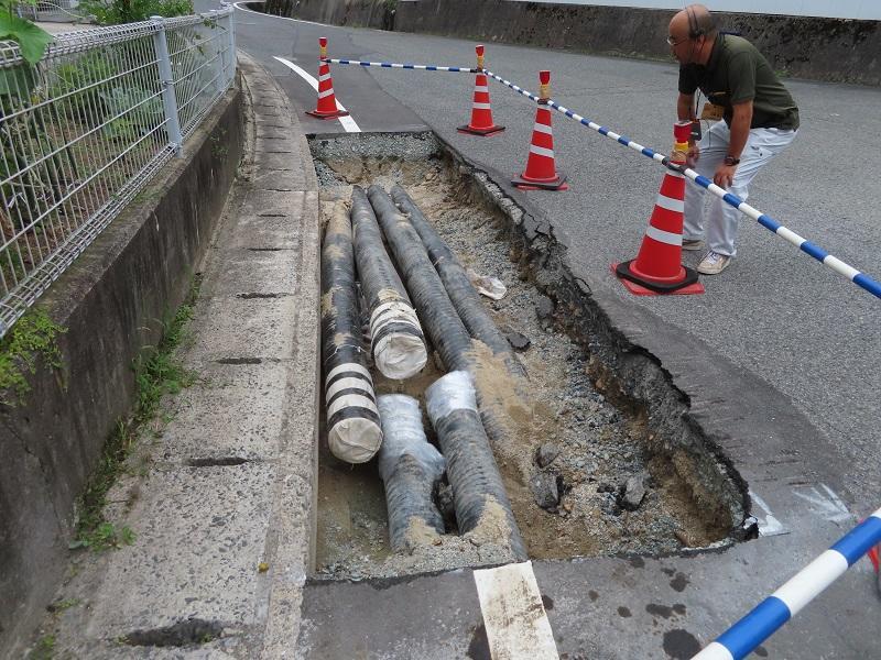 写真6:地域熱供給のための熱供給パイプの敷設工事の状況