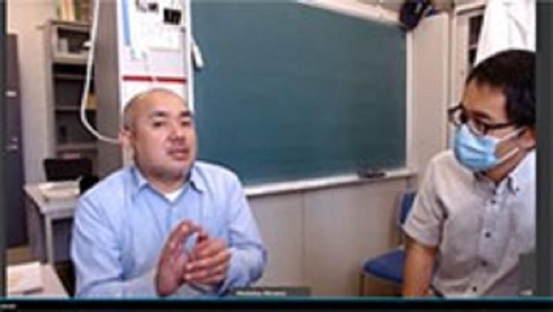 質問にこたえる石田さん