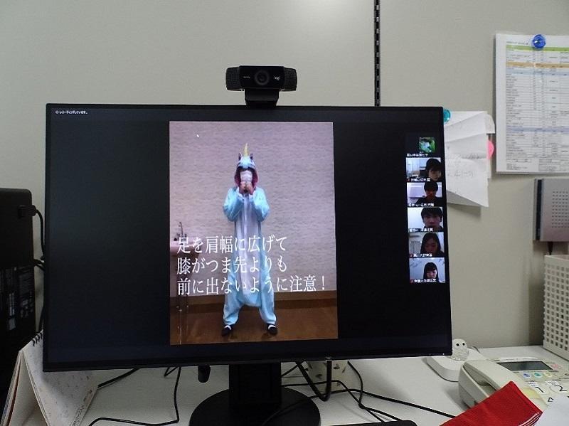 「ユニコーン」グループのエクササイズの動画