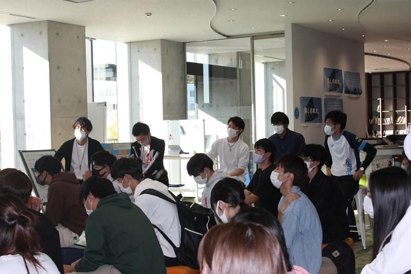 CBMLの先輩達も説明会に参加してくれました。