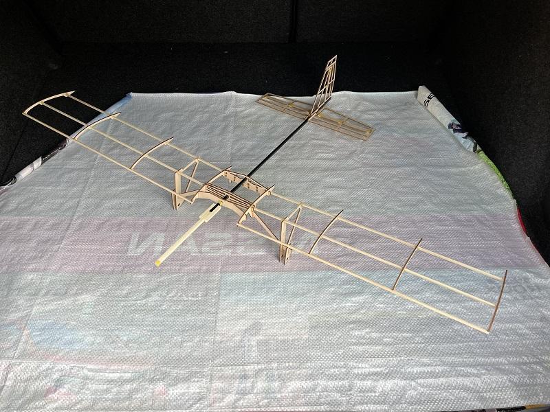 (写真③)試作モデルの全体写真(翼表面は今後製作予定)