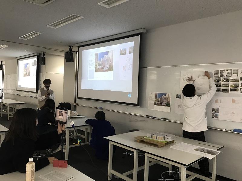 授業での発表の様子