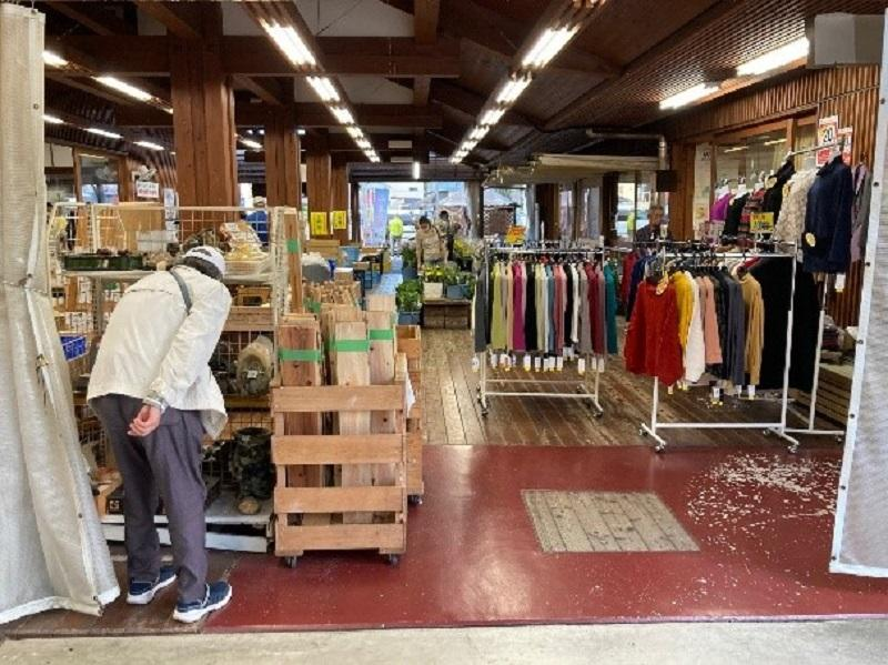 地域住民の生活に貢献「道の駅・雑貨売場」