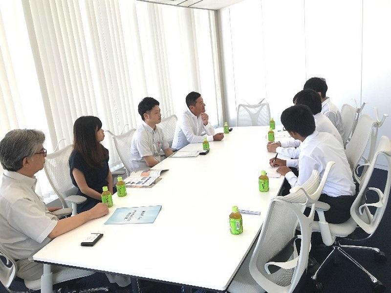 企業内での検討会議