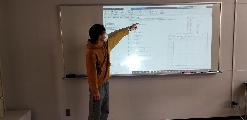 数学科数学講究(マルコフ連鎖モンテカルロ法に関するMATLABプログラムの発表)