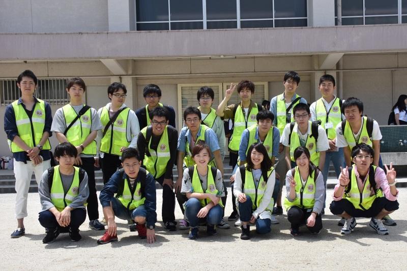参加したボランティア協議会、アクトサークル、バドミントン部の学生ら