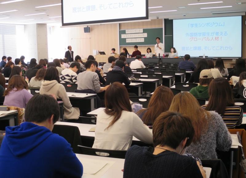 (前列左から)村上さん、永谷さん、クマーラ教授、大原さん(後列左から)駒さん、渡邉さん、島田さん、森川さん