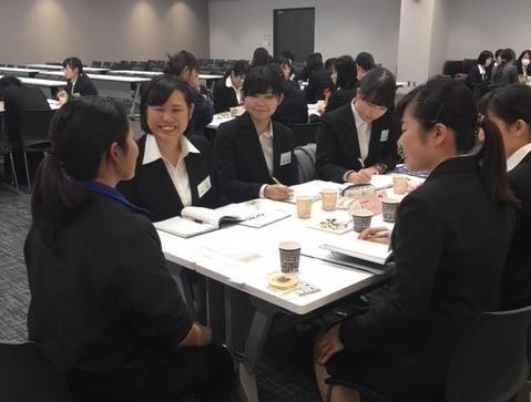 女性社員との座談会