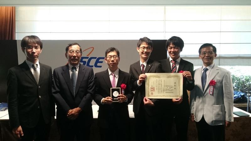 左から野呂さん、宇佐美元本学教授、山崎さん、加藤さん、森さん、葛教授