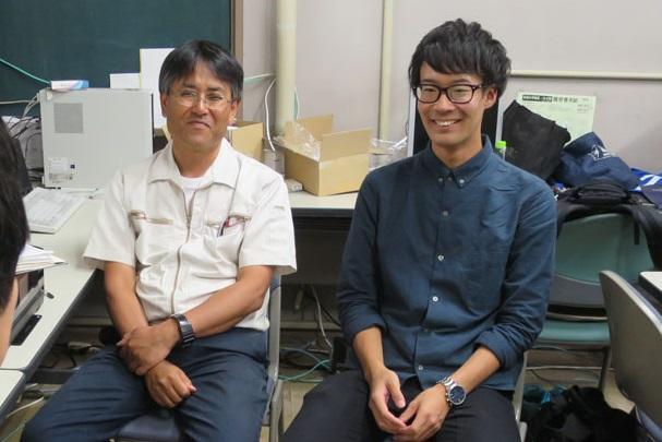 中島公平教員部長(左)と野々垣善也さん