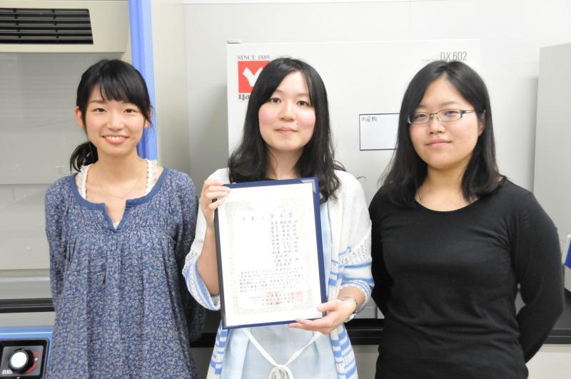 左から山田みゆきさん、石原紗彩耶さん、望月麻衣さん