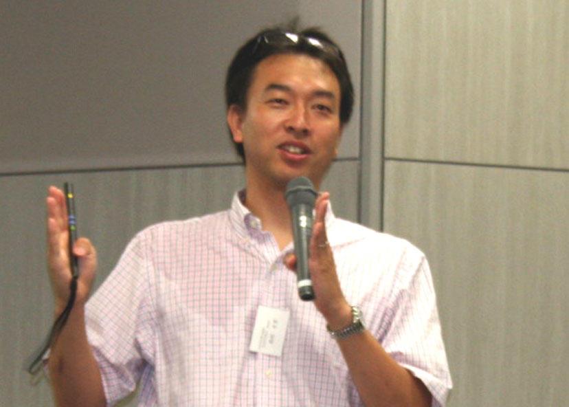 招待講演会で講師を務めた西村幸男氏