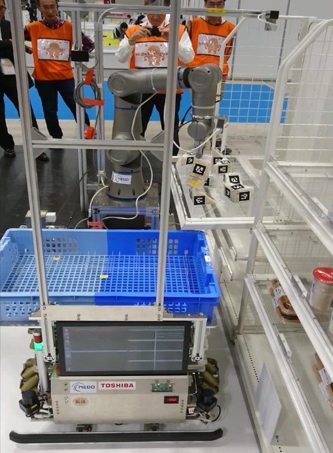 商品の陳列・廃棄を競うロボット
