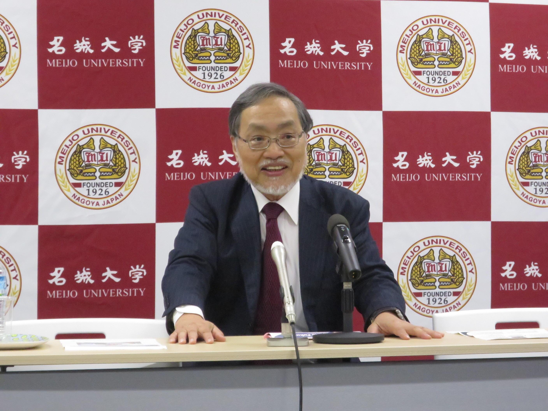 会長就任の抱負を熱弁する福田教授