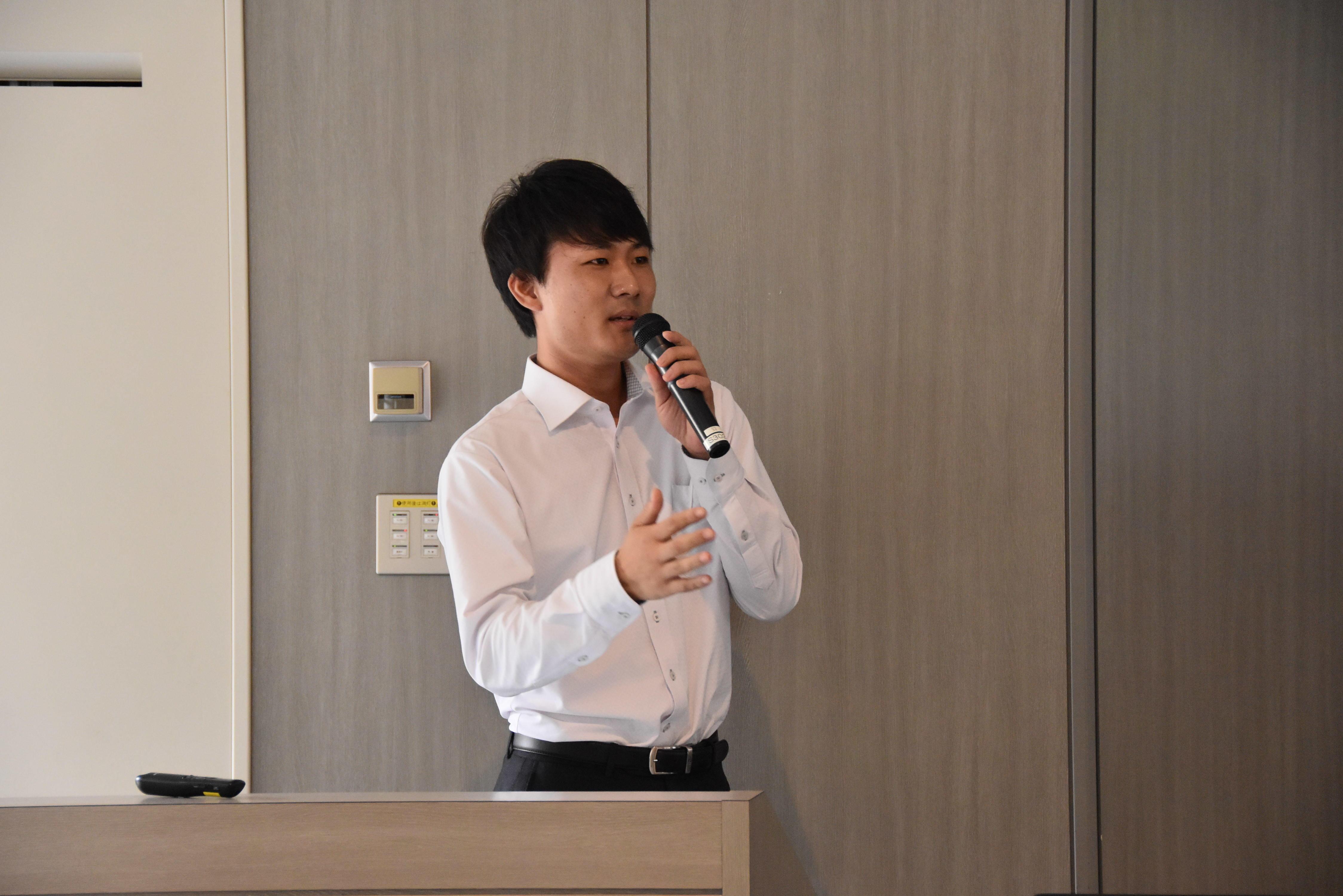 講師の柴田龍太郎さん(経営学部経営学科2017年卒業)