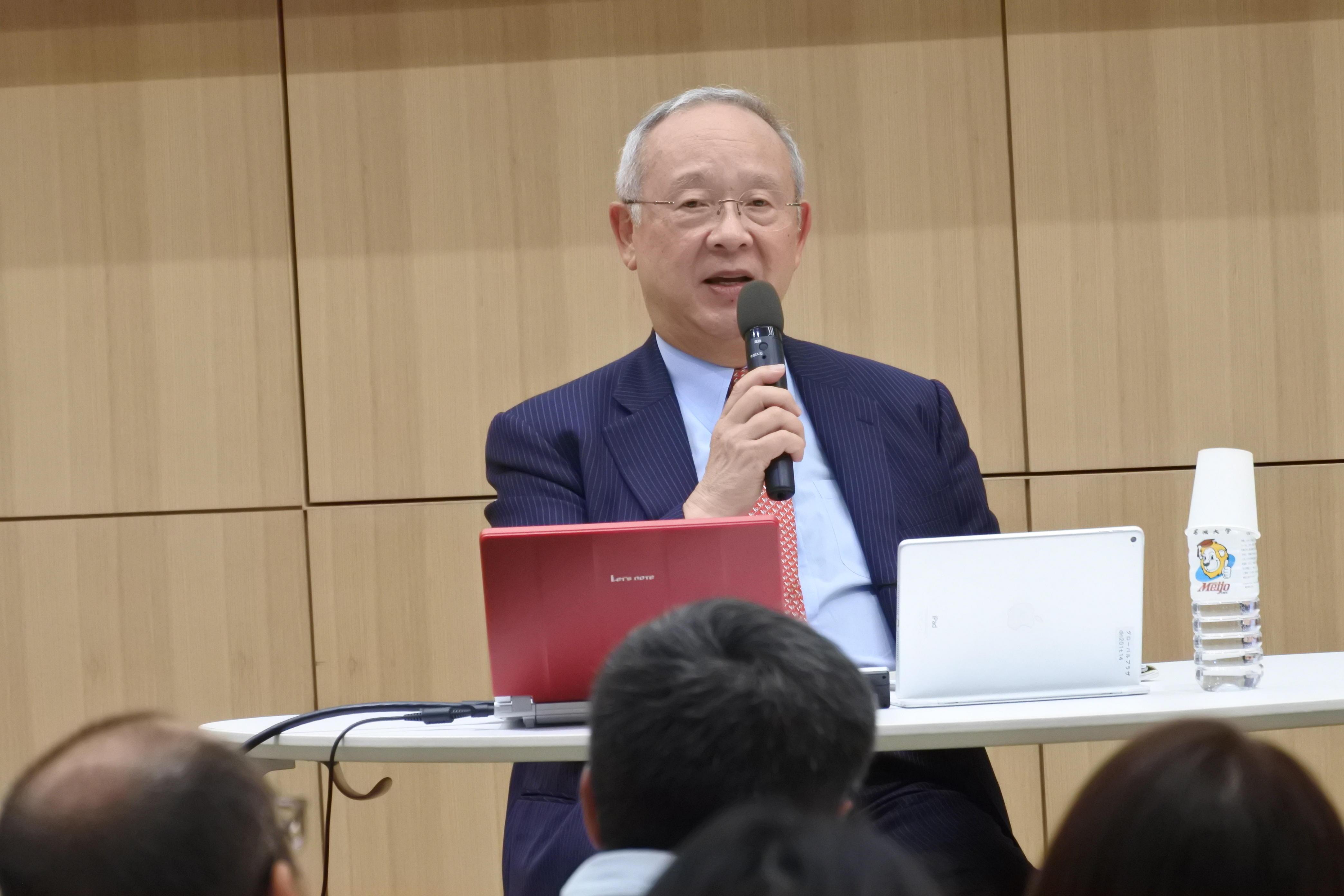 留学や海外企業の体験などを語る杉田氏