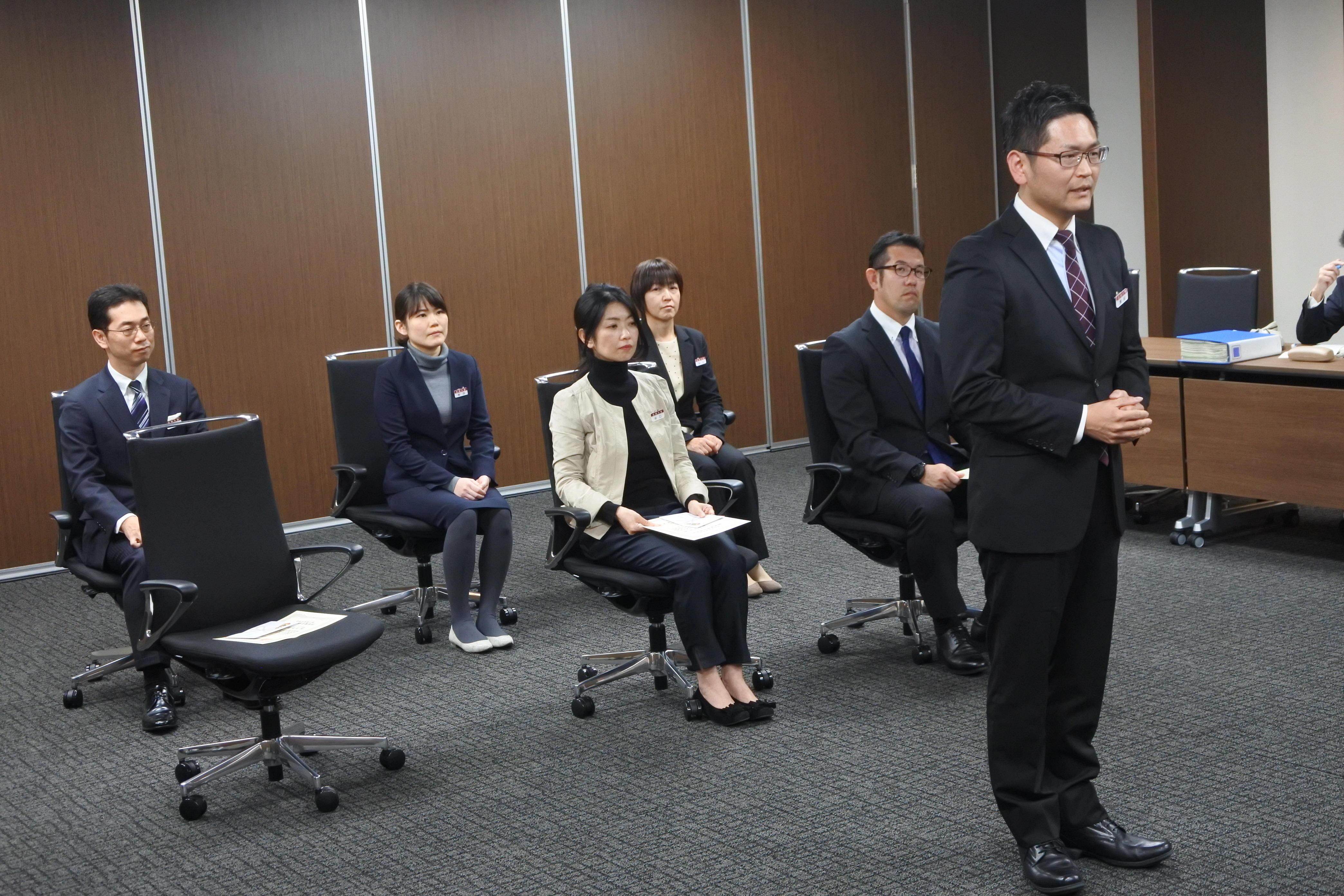 被表彰者を代表してあいさつする濱松暢生さん