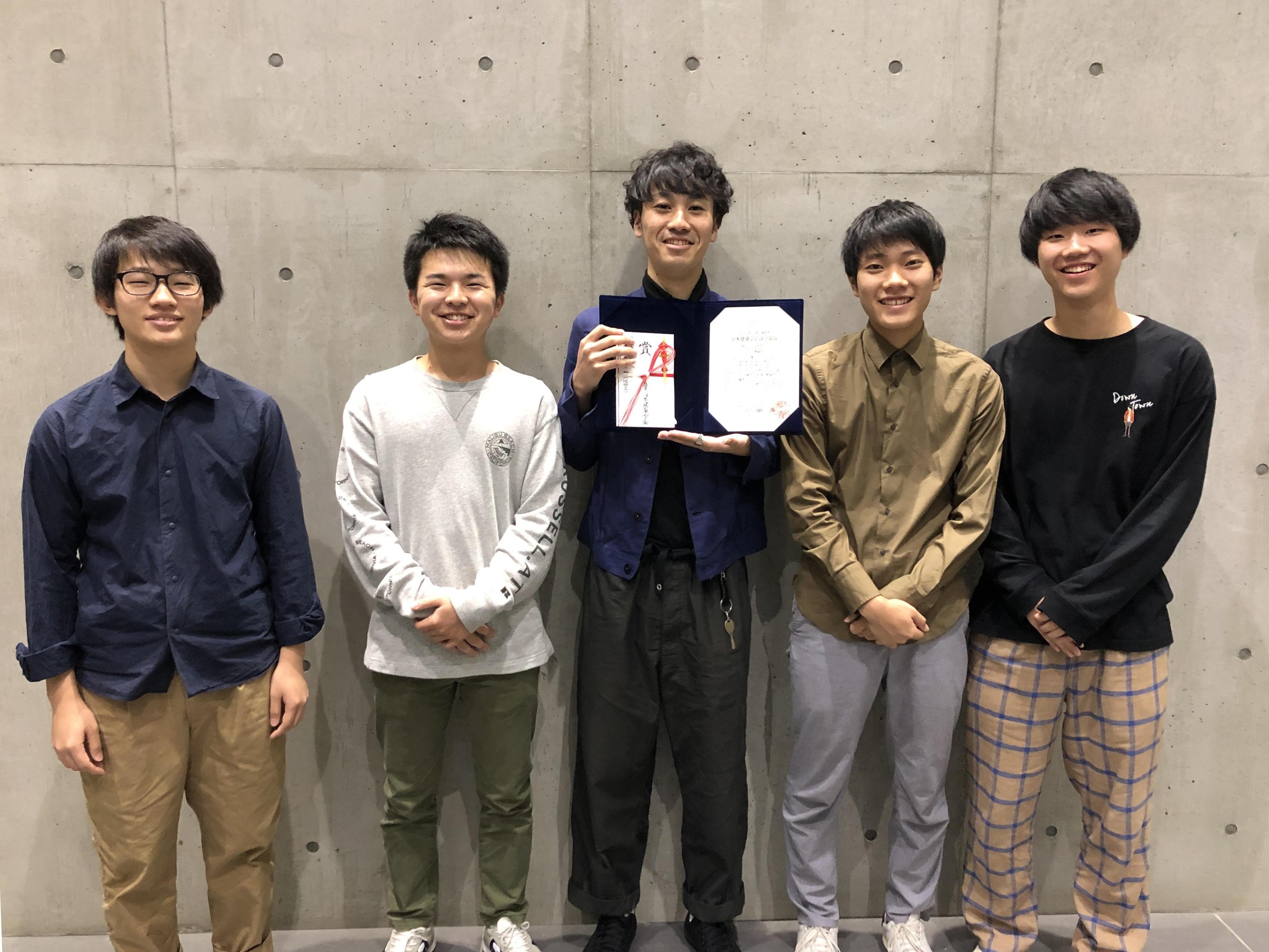 (左から)和田さん、水谷さん、宮本さん、岡田さん、森さん
