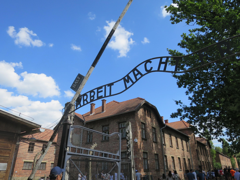 ホロコーストの舞台の一つとなったポーランドのアウシュビッツ収容所。稲葉教授は何度も訪れている