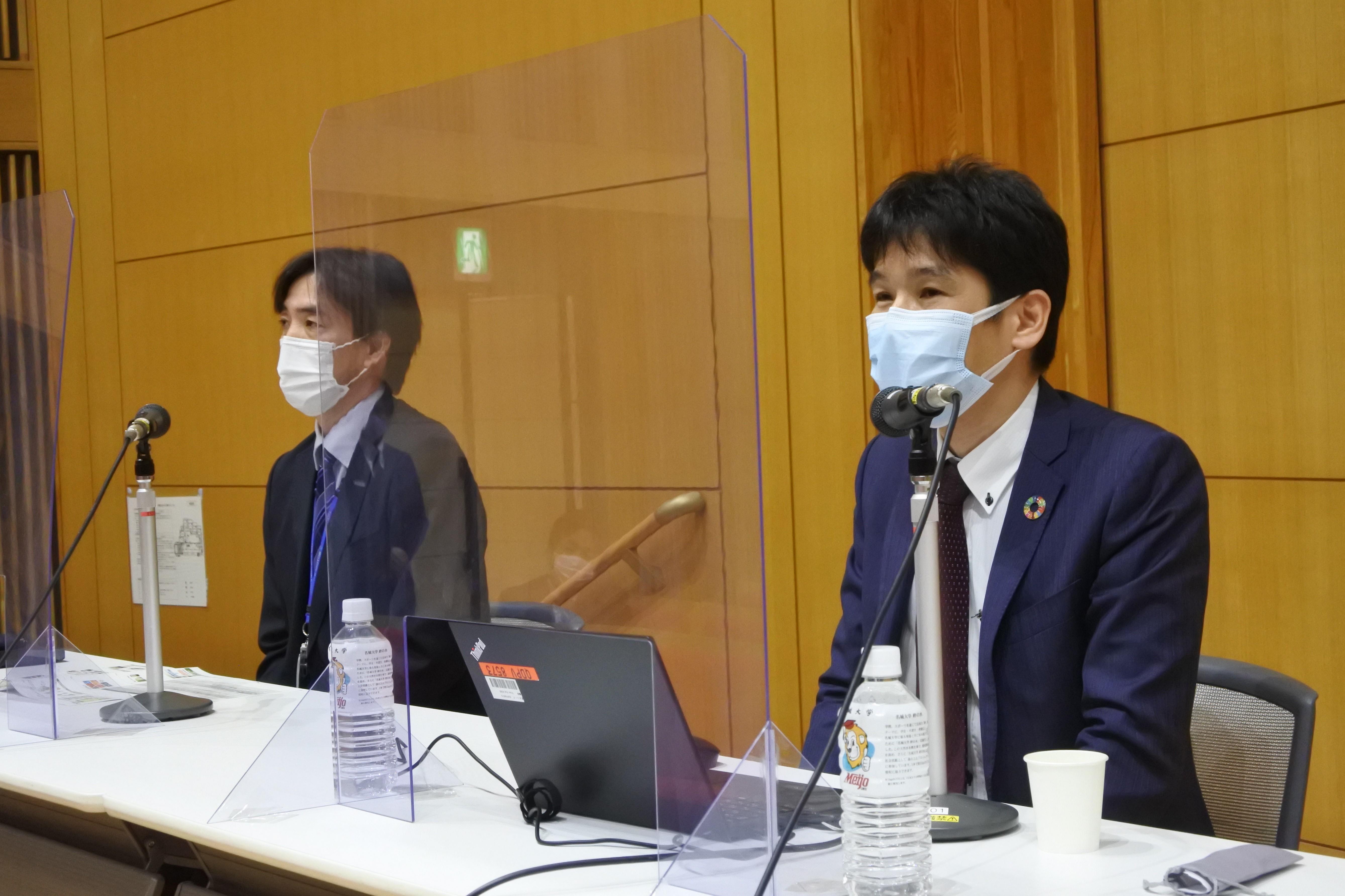 講演する吉田耕平氏(右)と折橋信行氏