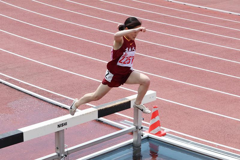 3000m障害で優勝の井上選手