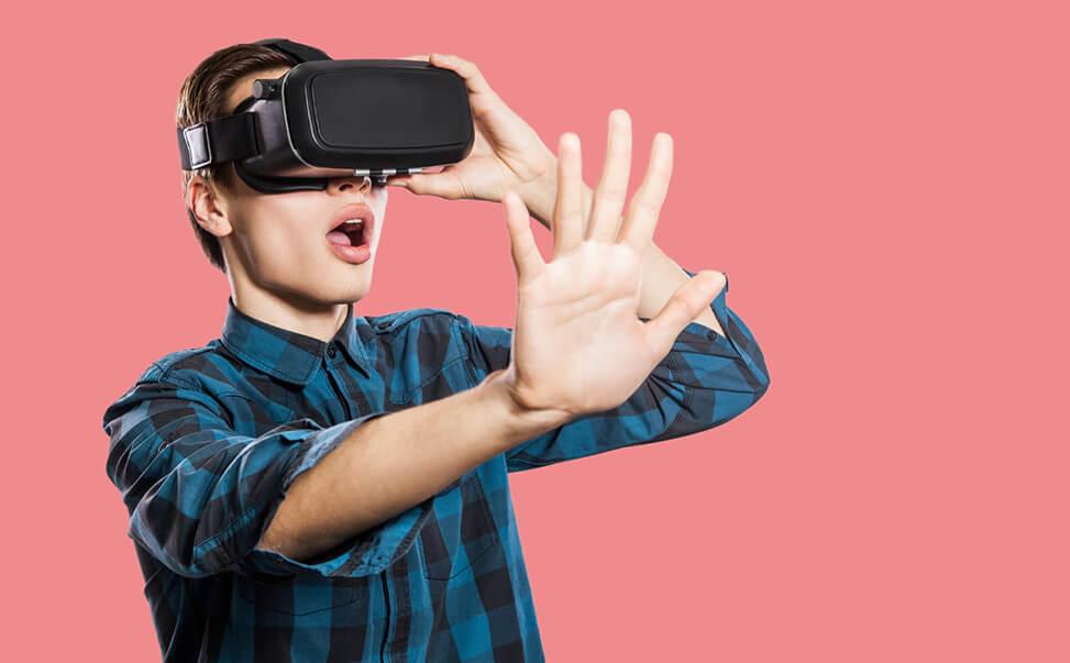「感触」や「音」をリアル に再現!名城大学の「次世代VR研究」