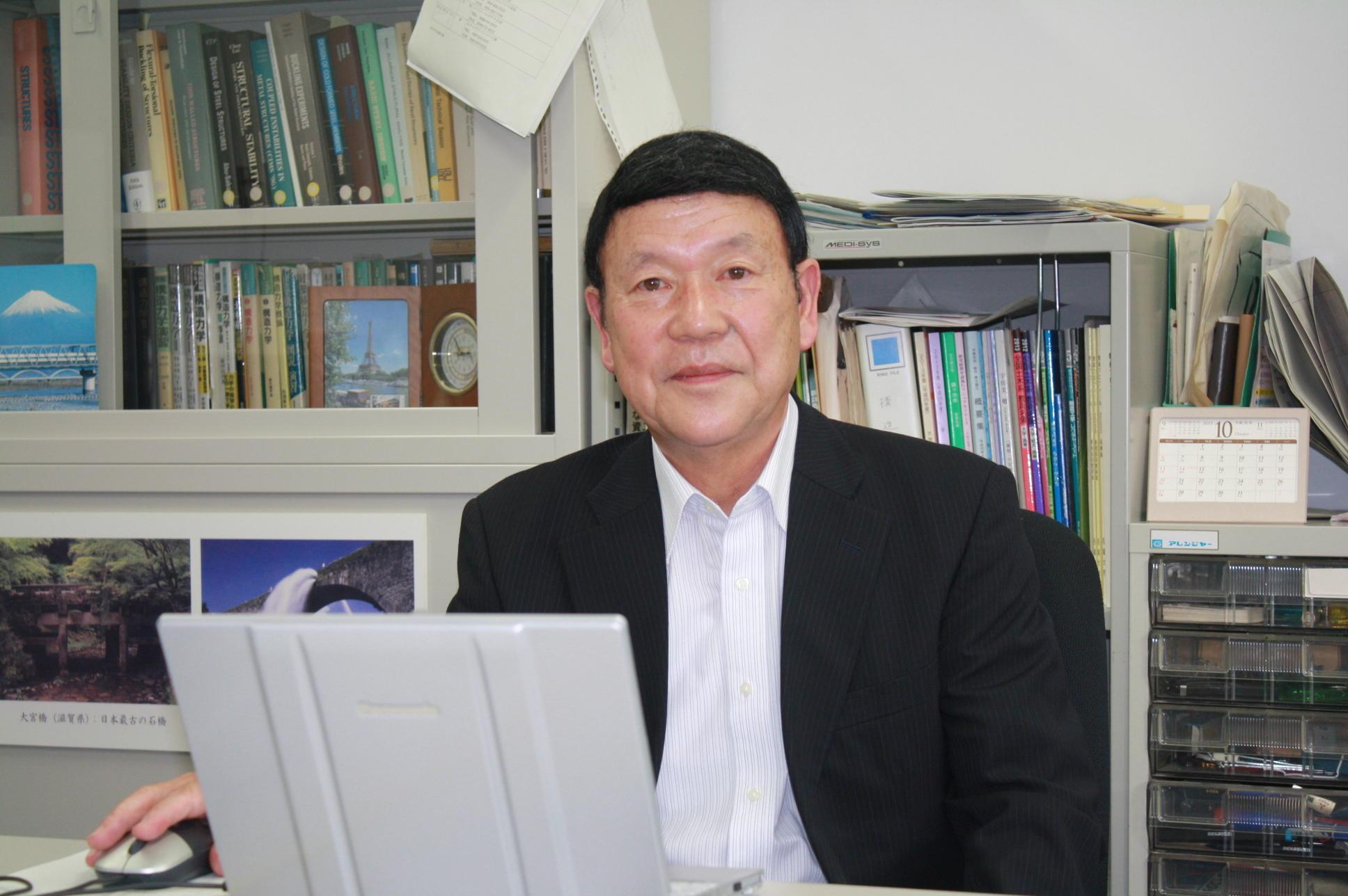 「名城大学もこの50年で本当に大きく変わりました」と語る久保教授
