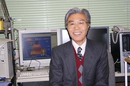 「社会へのアンテナを伸ばそう」と語る谷口教授