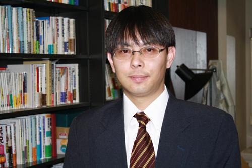 「やる時はやる。遊ぶ時は遊ぶといったメリハリが必要」と語る柳田准教授