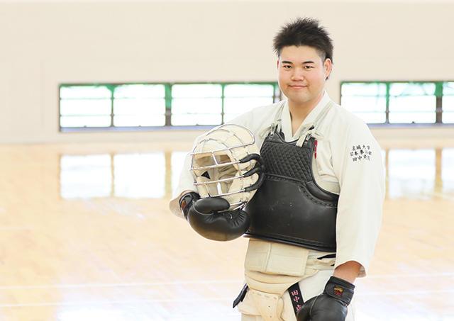 スイーツ男子、武道で輝く!クッキング部から日本拳法部主将へ